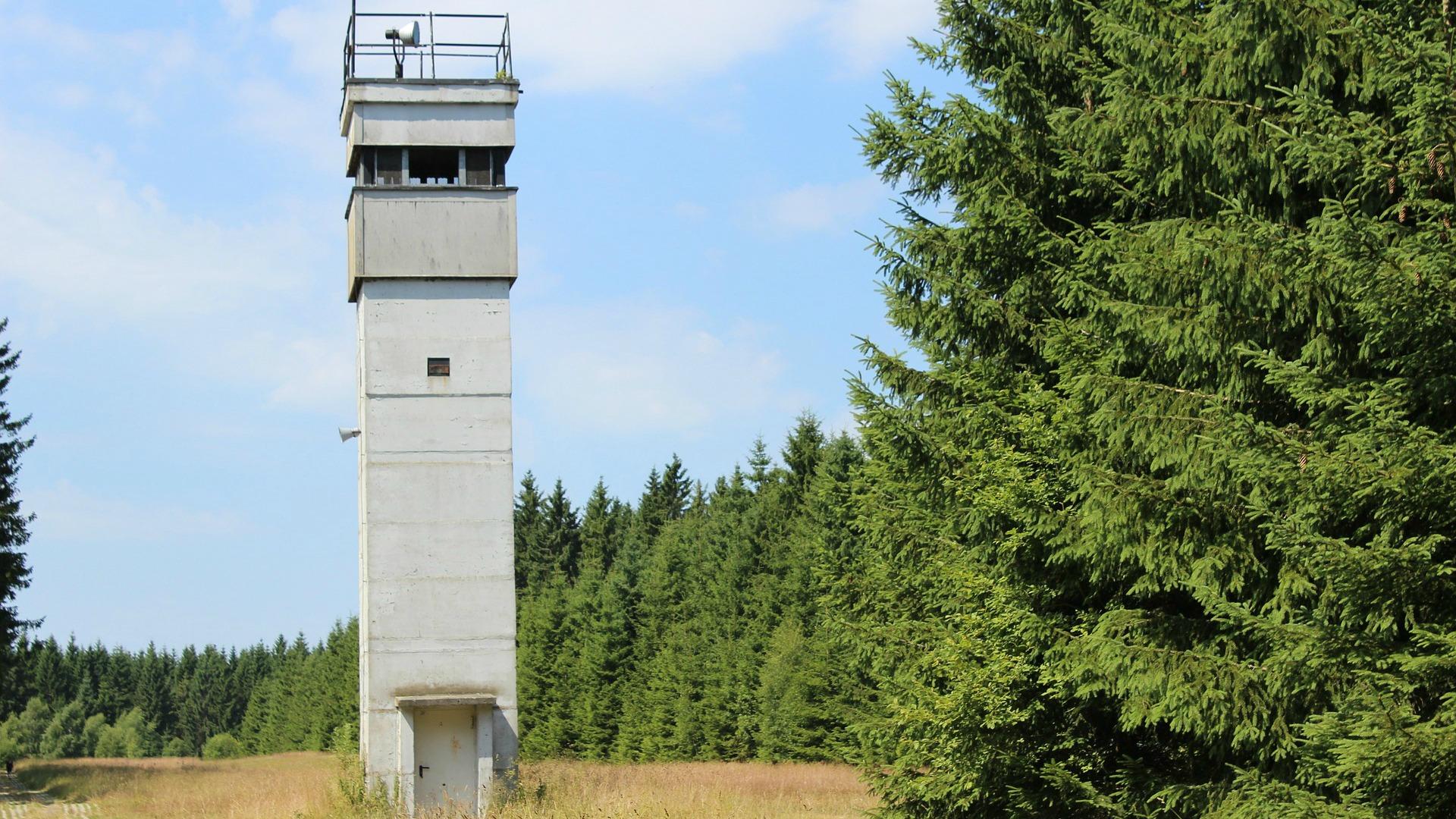 tower-168265_1920grünes